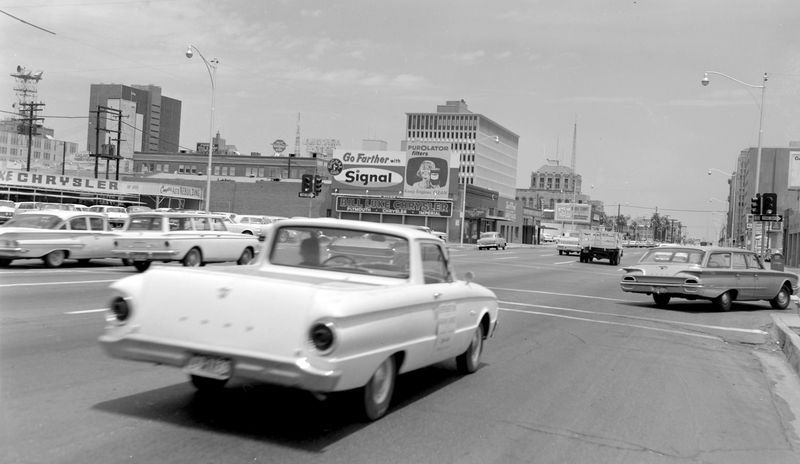 Jefferson_4th_Ave_looking_east_Bill_Luke_1960s