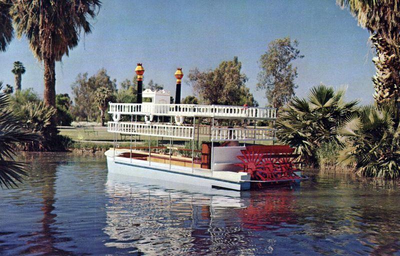 Encanto_paddleboat_1960s