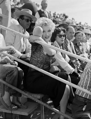 Marilyn_Fairgrounds_BusStop_1956