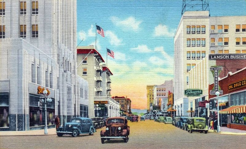 Central_Monroe_looking_south_Lamson_1930s