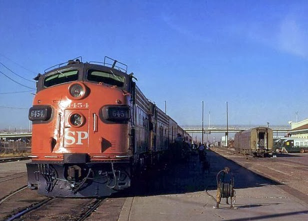 Southern_Pacific_train_1968