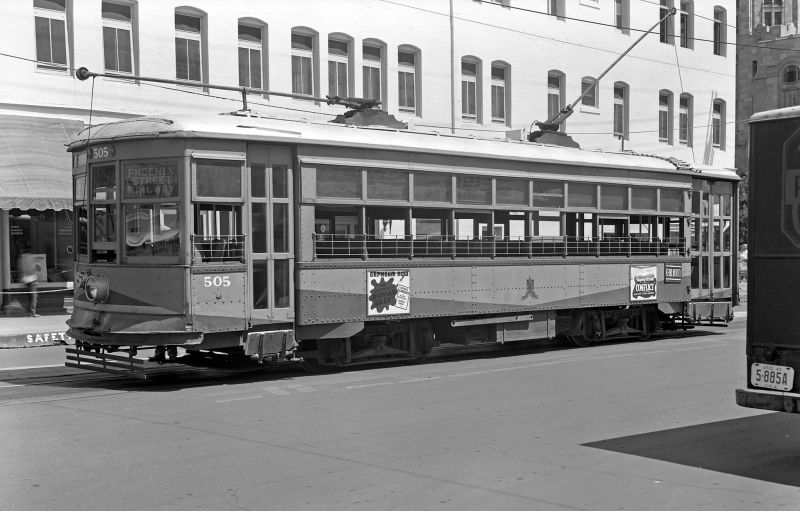 Kenilworth_Street_Car_trolley_1940s
