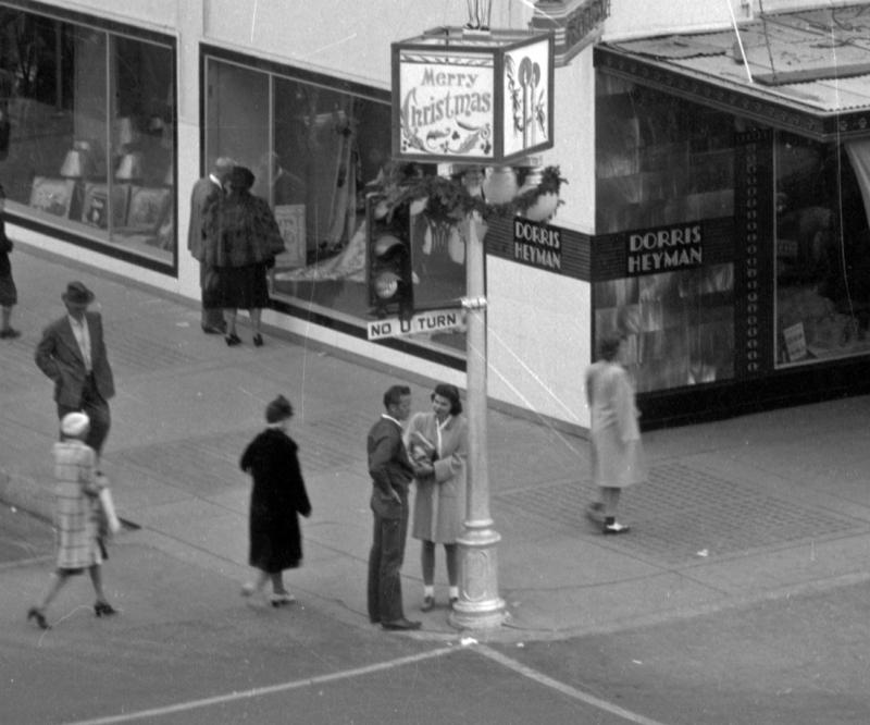 Adams_1st_St_southeast_corner_Dorris-Heyman_Furniture_1936