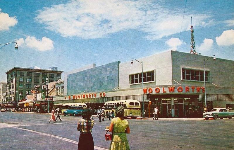 Washington_1st_St_looking_northwest_Woolworths_1950s