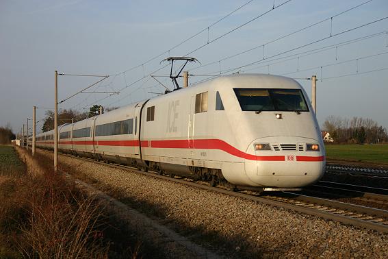 ICE_1_in_Augsburg-Hochzoll