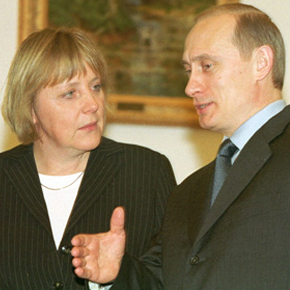 Angela_Merkel_and_Vladimir_Putin_in_Moscow_2002
