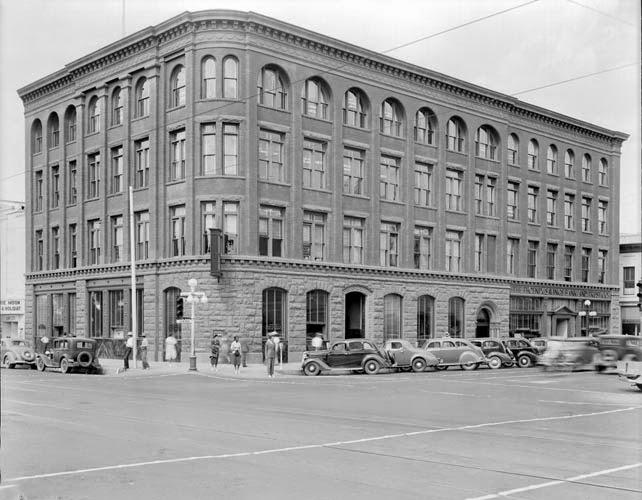 1st_Ave_Washington_looking_northwest_Fleming_1938