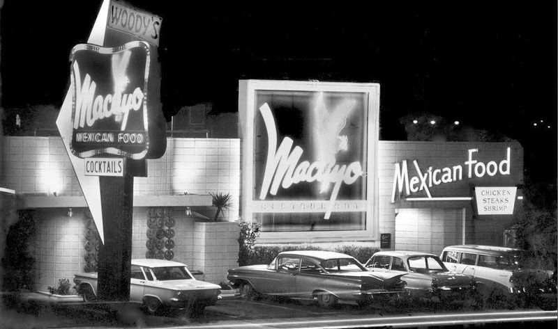 Woodys_Macayo_4001_N_Central_1960s