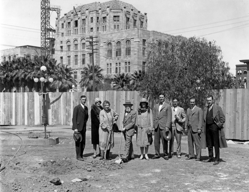 George_HN_Luhrs_Catharina_groundbreaking_Luhrs_Tower_Jefferson_1st_Ave_1929