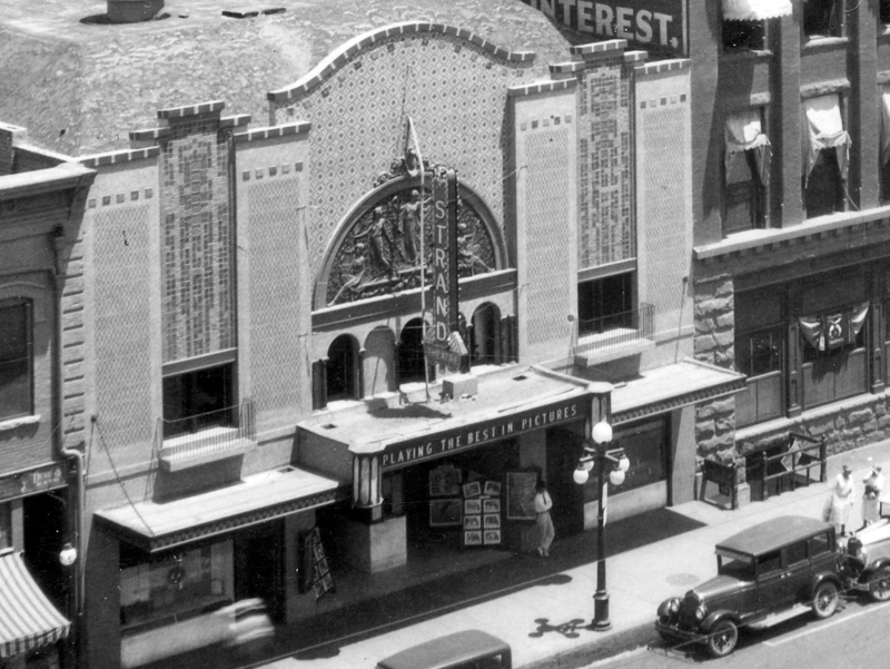 Strand_Theater_Washington_between_1st_2nd_Ave_1928