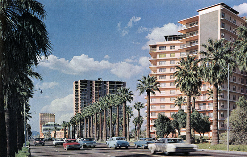 Phoenix_Towers_condos_2201_N_Central_1970