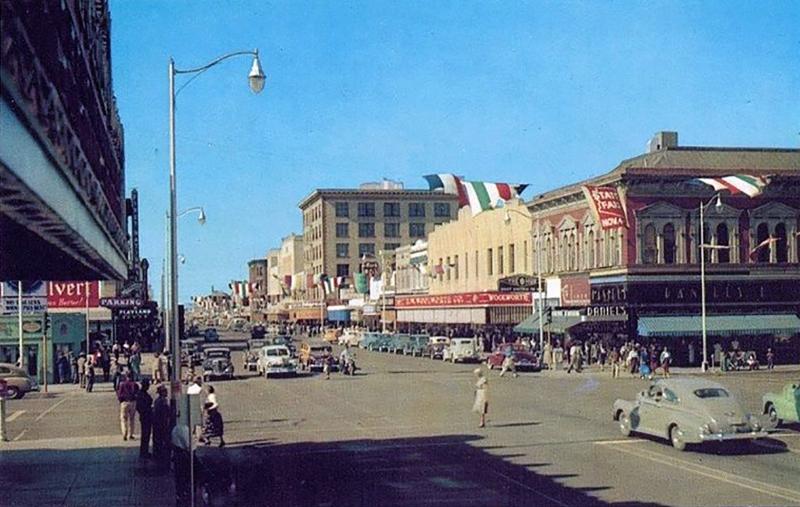 FirstStWashingtonFoxTheater_1950s