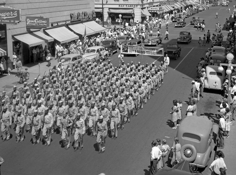 Parade_Central_Monroe_1942