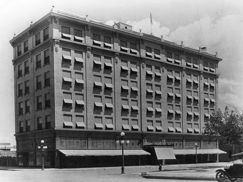 Jefferson_Hotel_southeast_corner_Jefferson_Central_1920s