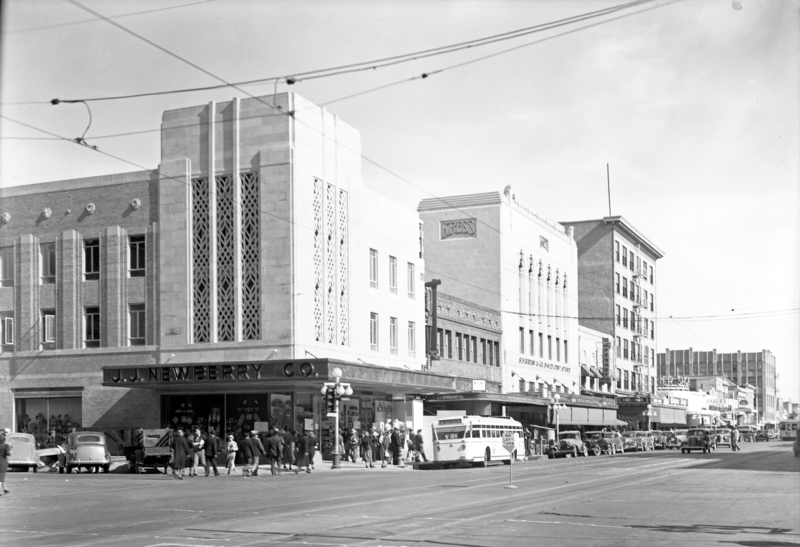 Washington_1st_Ave_northeast_corner_1940s
