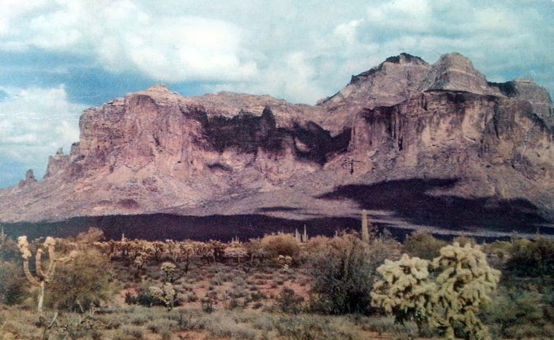 Superstition_Mountains_1940s