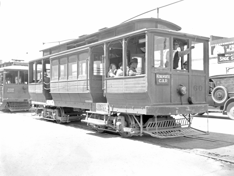 Trolley_cars_1920s