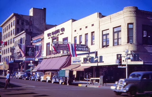 Central_Adams_looking_southwest_Vic_Hanny_1940s