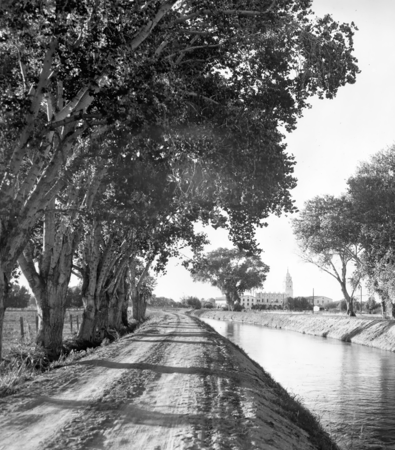 Grand_Canal_looking_towards_Brophy_School_1937