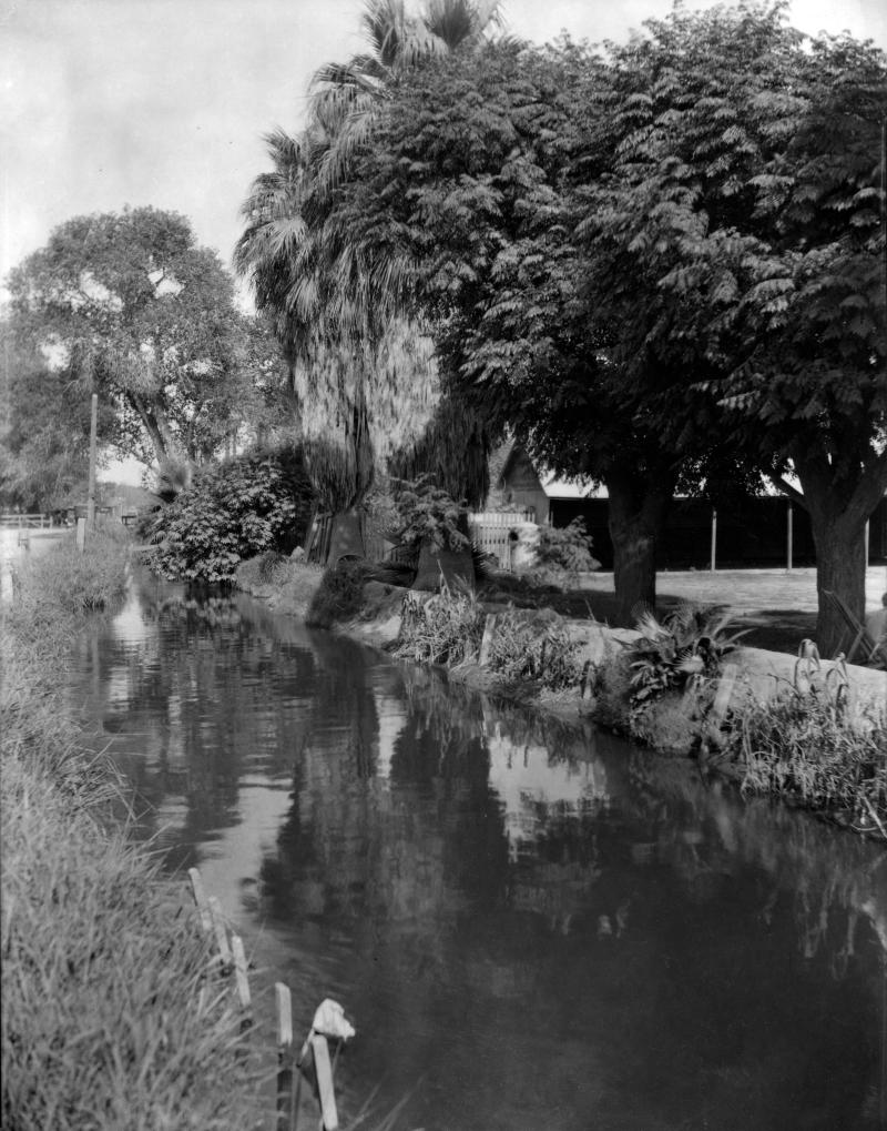 Salt_River_Canal_Swillings_Ditch_Van_Buren_1920s