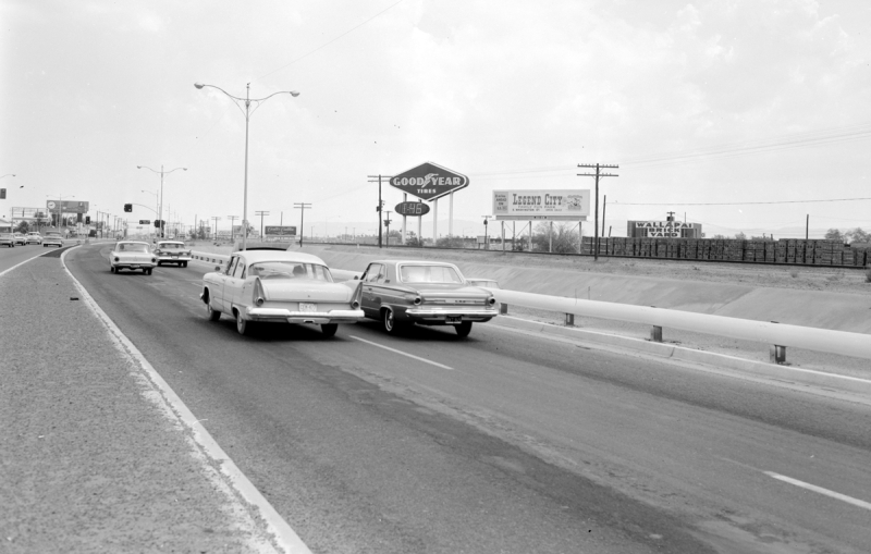 Black_Canyon_Highway_I-17_going_south_towards_Grand_Goodyear_Legend_City_1960s
