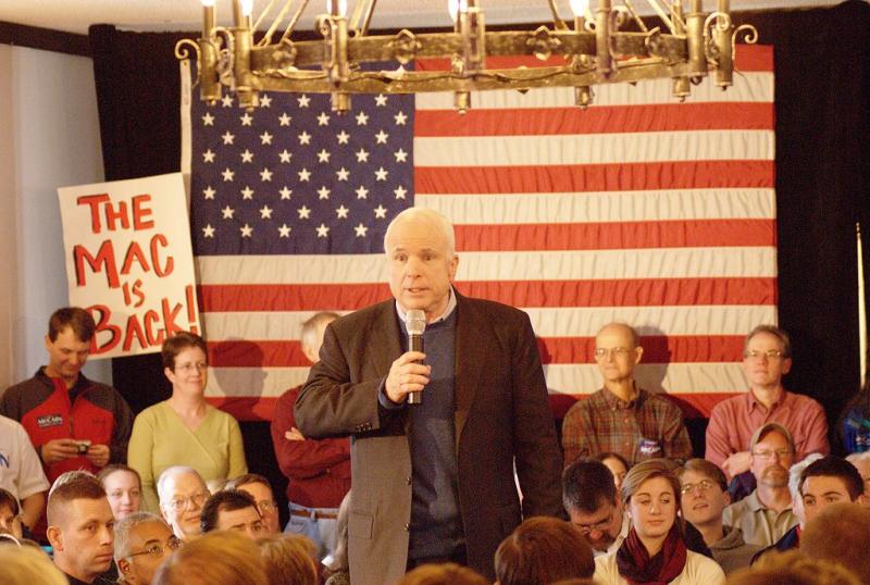 1024px-John_McCain_in_NH