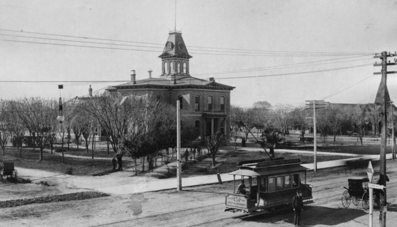 Court_House_Maricopa_County_territorial_Washington_1st_Ave_Phoenix_Park_Capitol_Gounds_1903