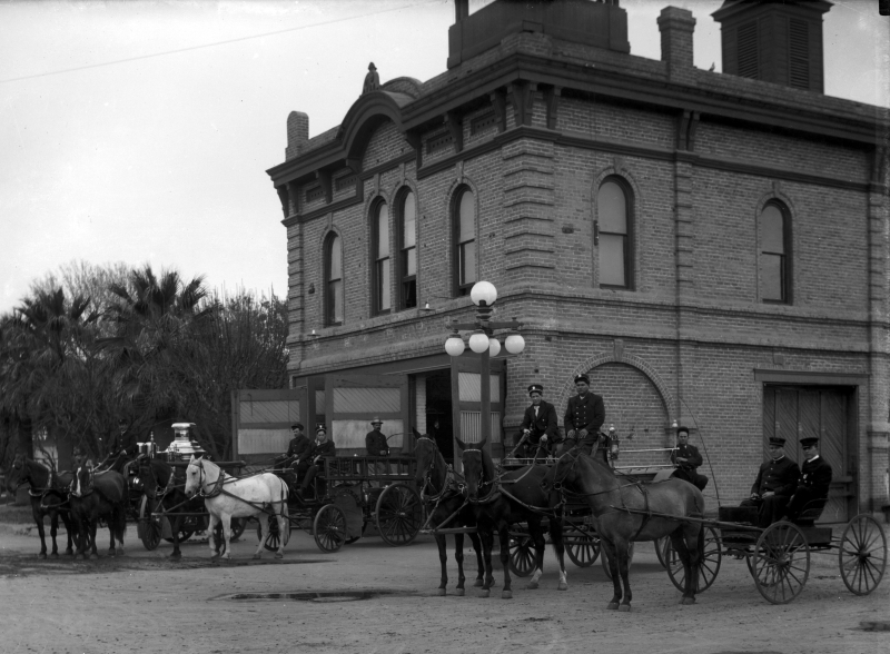 Fire_Station_horses_1st_St_Jefferson_1908_SHR