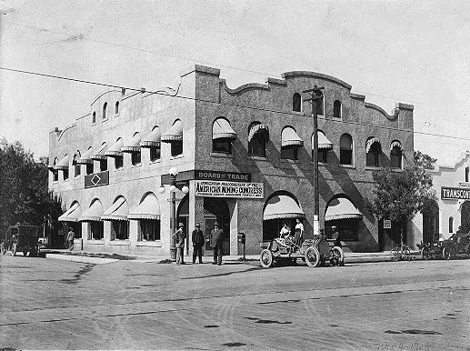 Phoenix_Board_of_Trade_Building_104_N_2nd_Ave_1915