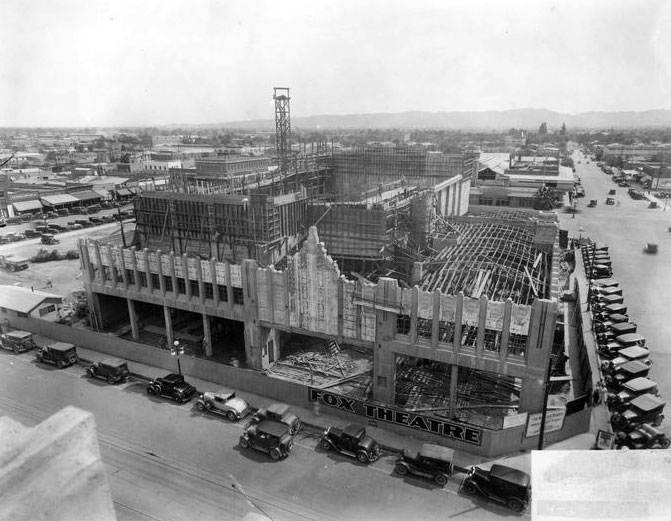 Fox_Theater_11_S_1st_St_under_construction_1930s_002