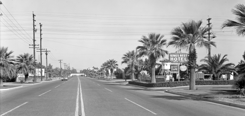 17th_Ave_looking_north_towards_railroad_bridge_Buchanan_Kings_Rest_1940s