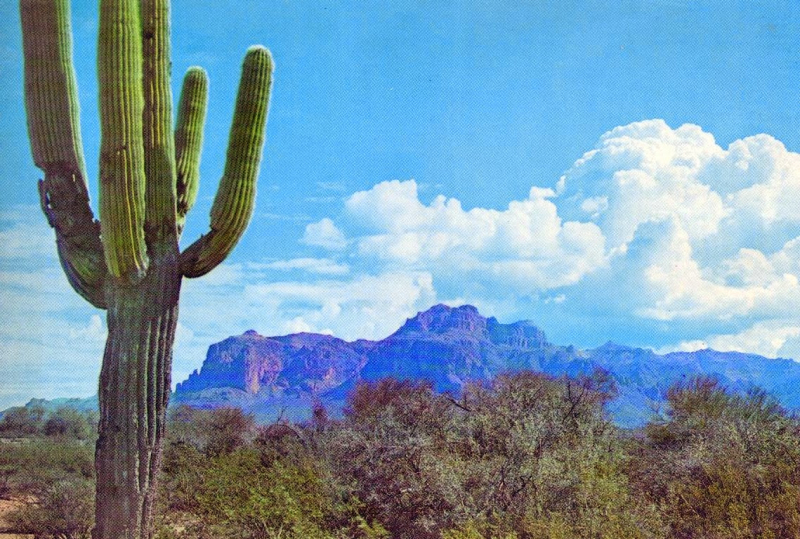 Superstition_Mountain_1960s