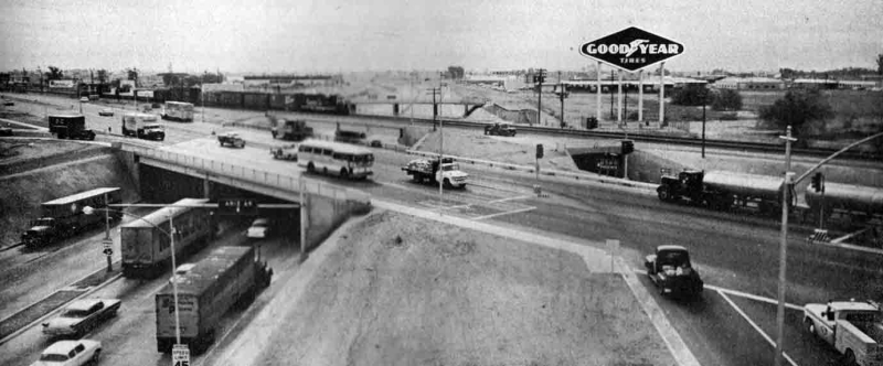 Black_Canyon_Freeway_Grand_Goodyear_sign_1960s(1)