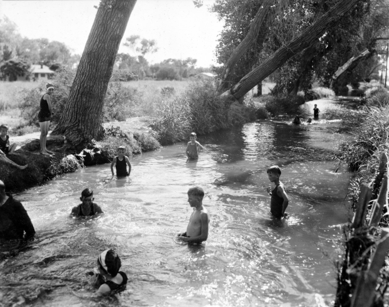 Swimming in a lateral 1920s