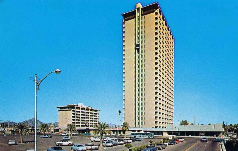 Phoenix_Corporate_Center_Mayer_Central_Plaza_1960s