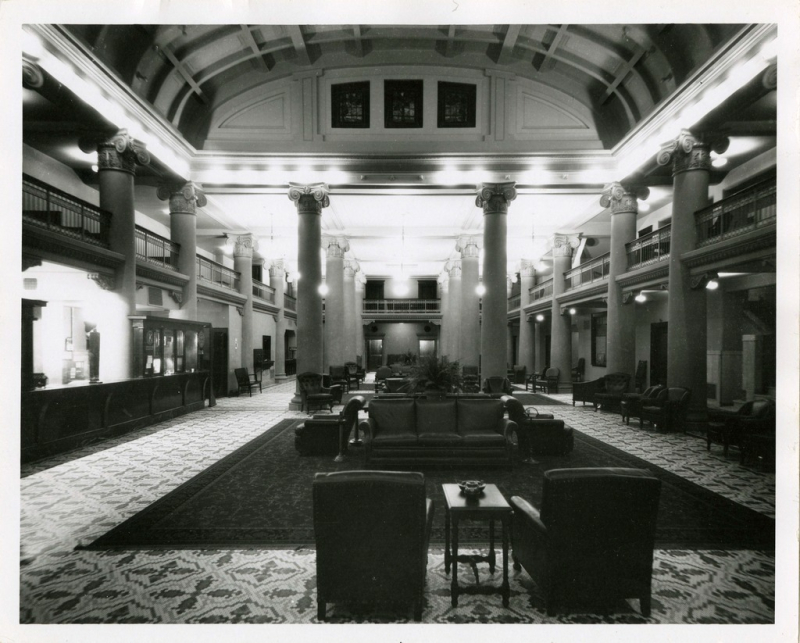 Adams lobby