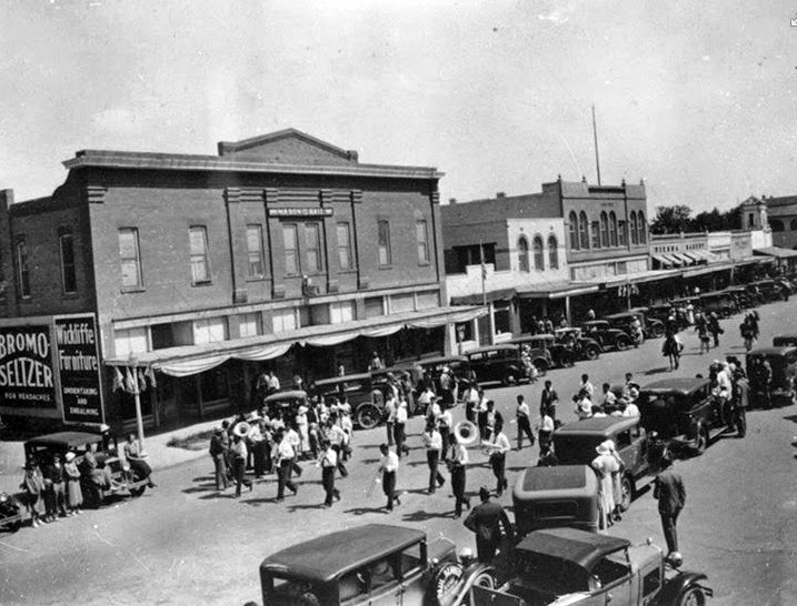 401_S_Mill_Ave_Andre_Building_looking_south_1920s