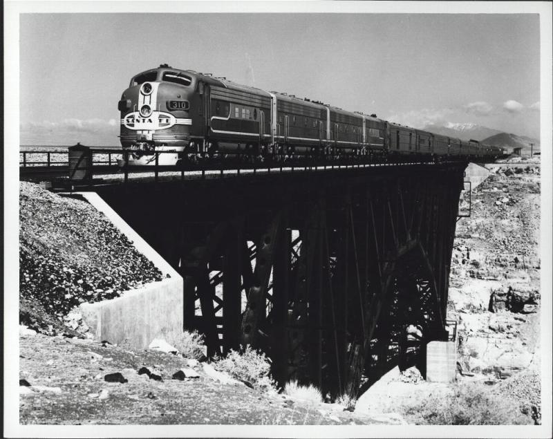 Super Chief crossing Canyon Diablo