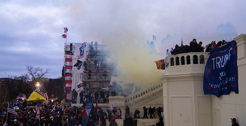 1024px-Tear_Gas_outside_United_States_Capitol_20210106