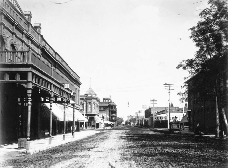 Adams_2nd_Ave_looking_east_Gooding_1905