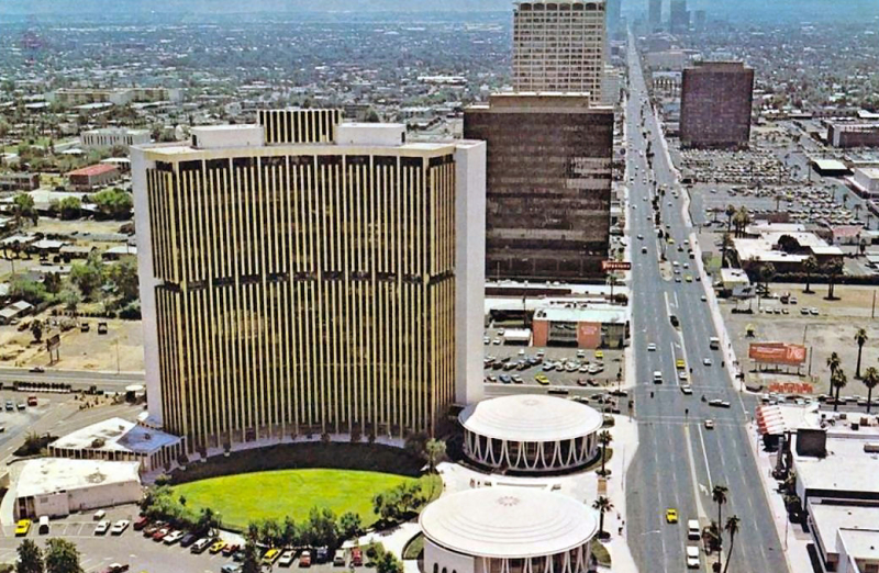 Central_Osborn_looking_south_Financial_Center_Building_early_1970s