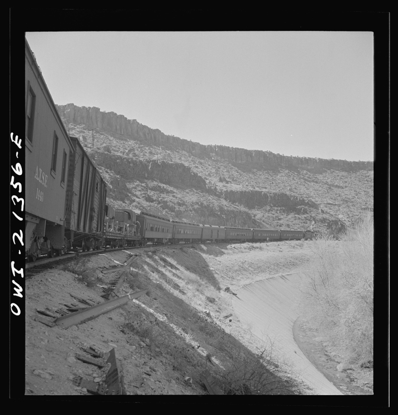 ATSF troop train Peach Springs 1943