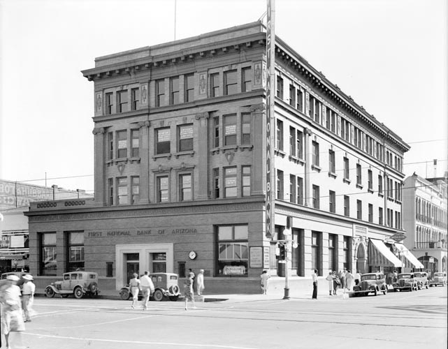 Washington_Central_looking_southeast_First_National_Bank_1930s(1)