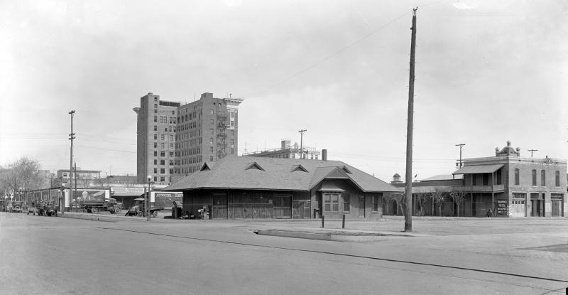 3rd St_Jackson_looking_northwest_Hardwick_Hotel_1920s(1)