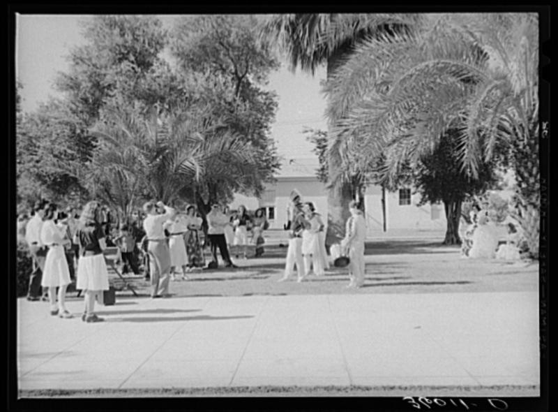 PUHS gradulation play photo 1940
