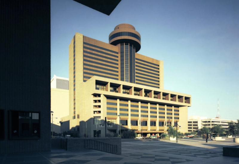 Hyatt_Regency_Hotel_122_N_2nd_St_looking_northwest_1976(1)