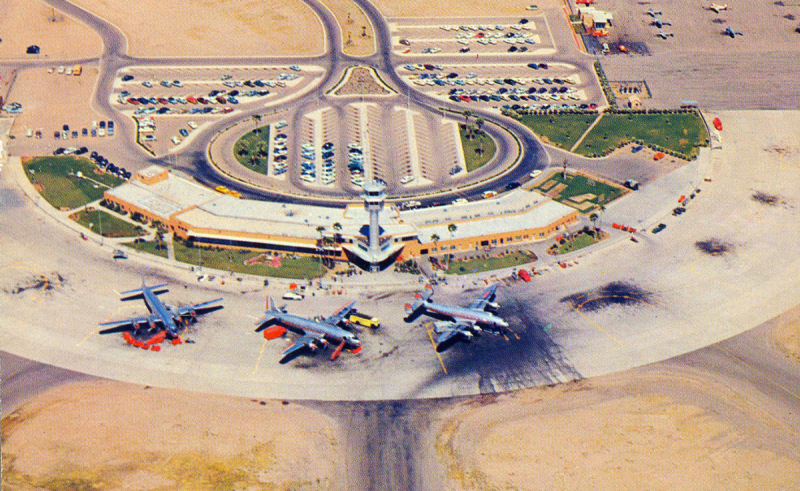 Sky_Harbor_Aiport_terminal_1_planes_1950s(1)