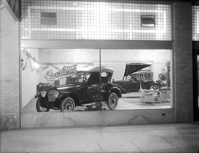 OverlandMotors_10WVanBuren_1920s