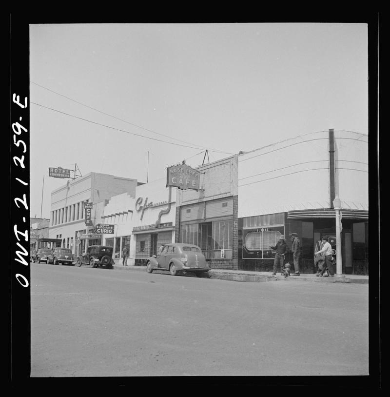Flagstaff street scene 1943