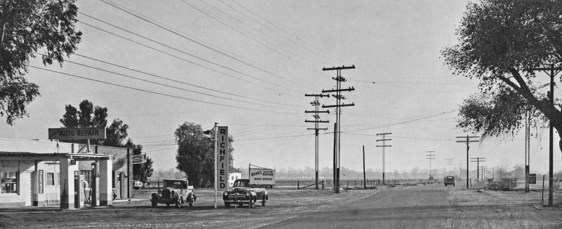 Hanks_Auto_Repair_3940_E_Thomas_looking_east_towards_40th_St_1950(1)